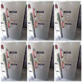 LG DOUBLE DOOR FRIDGE WITH WARRANTY AT JUST RS/8500 ONLY
