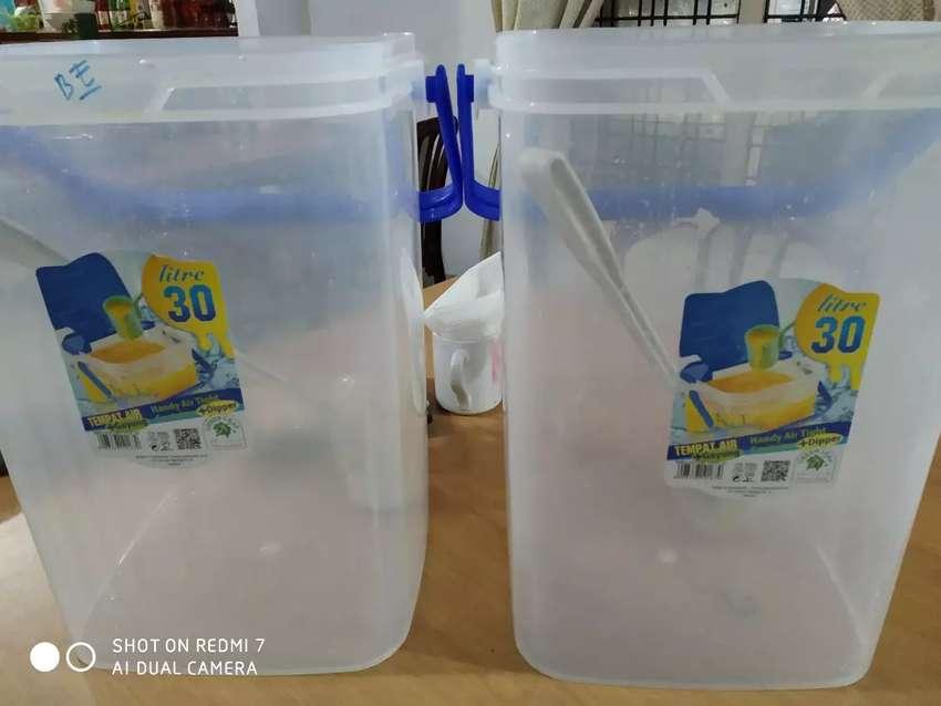4 unit Wadah container plastik 30 liter untuk jual minuman 0
