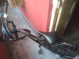 Excellent condition bicycle for sale. Buyer will get a huge discount.