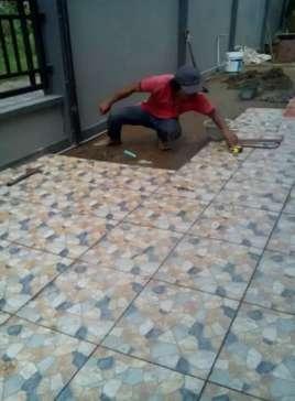 Tukang bangunan, keramik, cat,plafon,kolam,taman,finishing