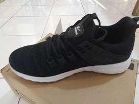 Sepatu new era kakak