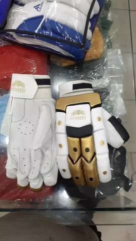 BRAND NEW CRICKET BATING GLOVE'S