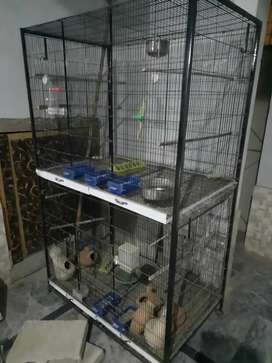 Flying and folding cage for budgies and lovebirds