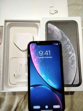 summer sale on i phone xr, 128gb super condition white color seal pack