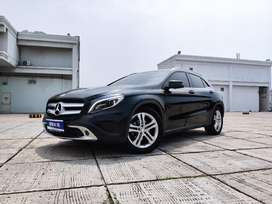 Mercedes Benz GLA 200 Urban 1.5 AT 2015 Hitam Record Terawat siap paka