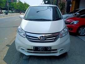 Honda Freed PSD at 2014 putih
