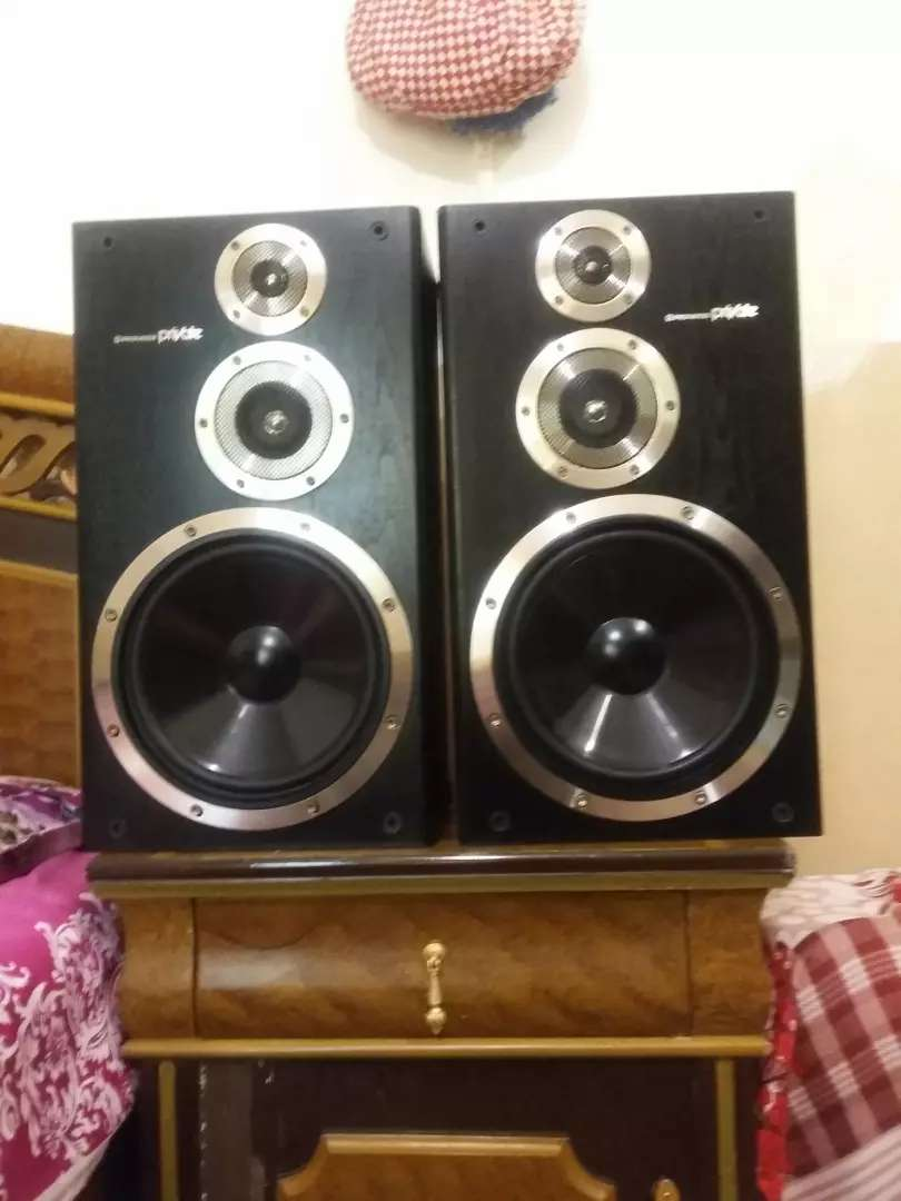 Pioneer private speakers Kenwood amplifier 0
