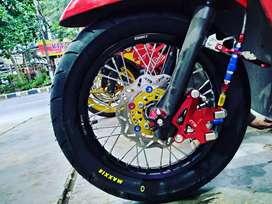 Variasi motor sport dan metik