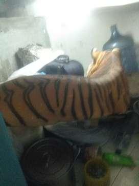 Patung harimau panjang