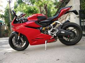 Ducati Panigale 959cc Red SuperBike 2016 year model Accident free