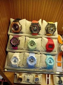 Di jual jam tangan merek g shock gaya dan trendy di tangan cow cew