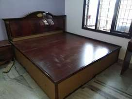 Bed King size 78 x 72