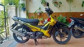 dijual supra X 125 / tahun 2008 / kuning