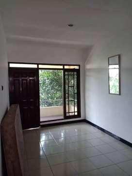 Rumah murah dalam ringroad 5 kamar tidur cocok untuk homestay dekt JCM