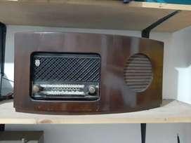 Radio Philips kuno nyala normal