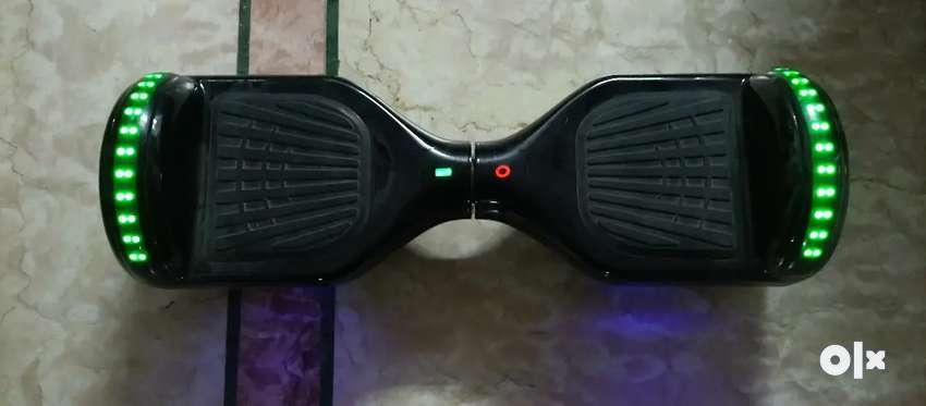 SEGWAY HOVERBOARD, ELECTRIC SCOOTER  With Bluetooth speakers 0