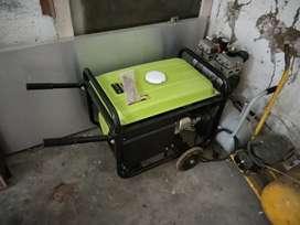 Genset 5000 kWh merk Green