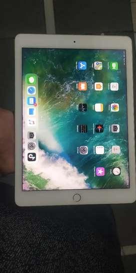 Apple iPad pro 128Gb (Wifi) Gold like new condition