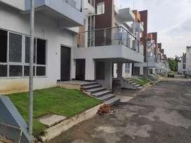 Duplex row house