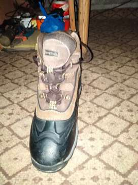 Water proof shoes size 8 for sale in good condition