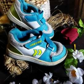 Sepatu anak cowok murah merk precise