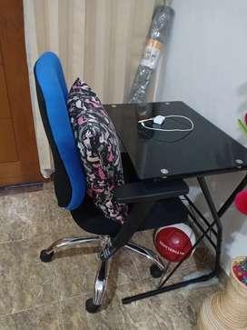 Dijual meja kaca dan kursi kerja
