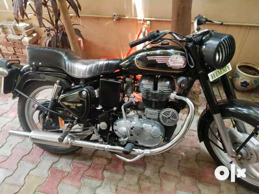 Bullet 350 for sale dug dug dug.. Standard bike black color 0