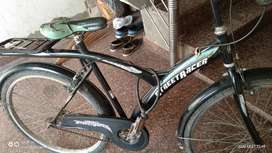 Model hero sprint ha . Or mane bas 2 year hi use ki cycle.best new  ha