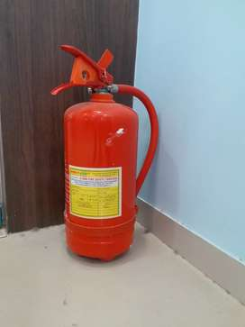 Fire extenguiser Abc 4kg 1year old (900 rs) Co2 2 kg 1 yr old (2200 rs