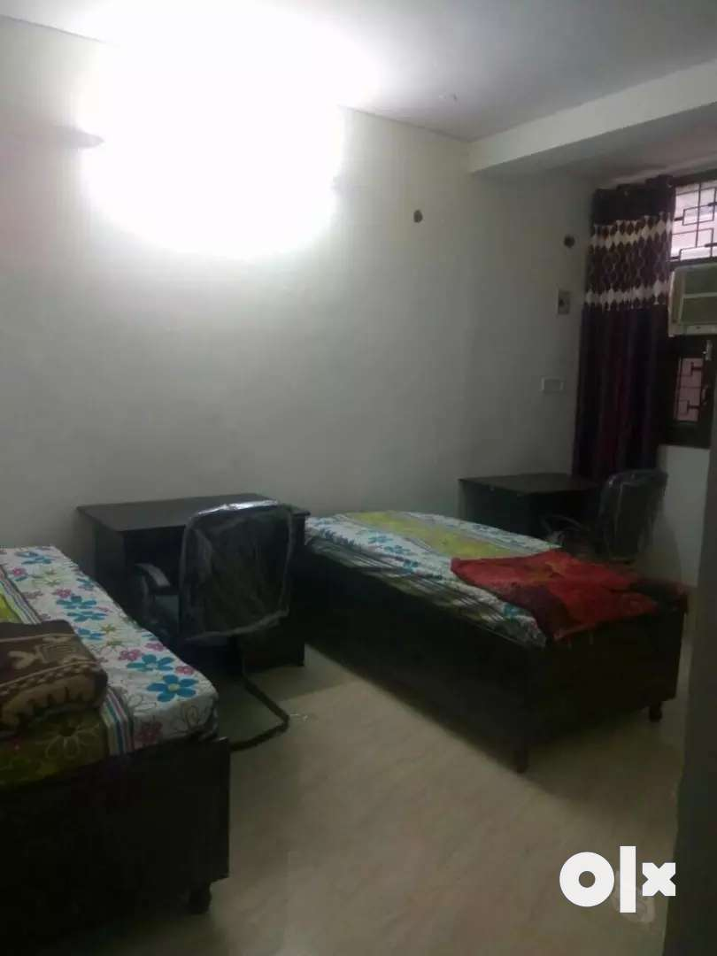 Furnished Ac sharing room withfood near ALS IAS infront haiderpurmetro 0