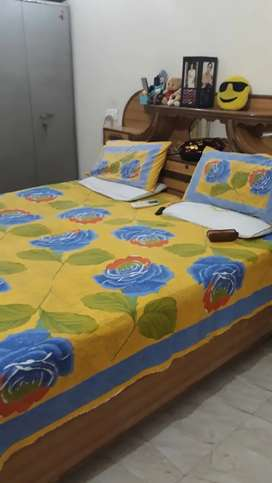 Well furnished single room set (owner free)