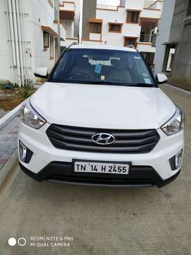 Leather seats, Reverse camera, bluetooth, CD and pen drive facilities