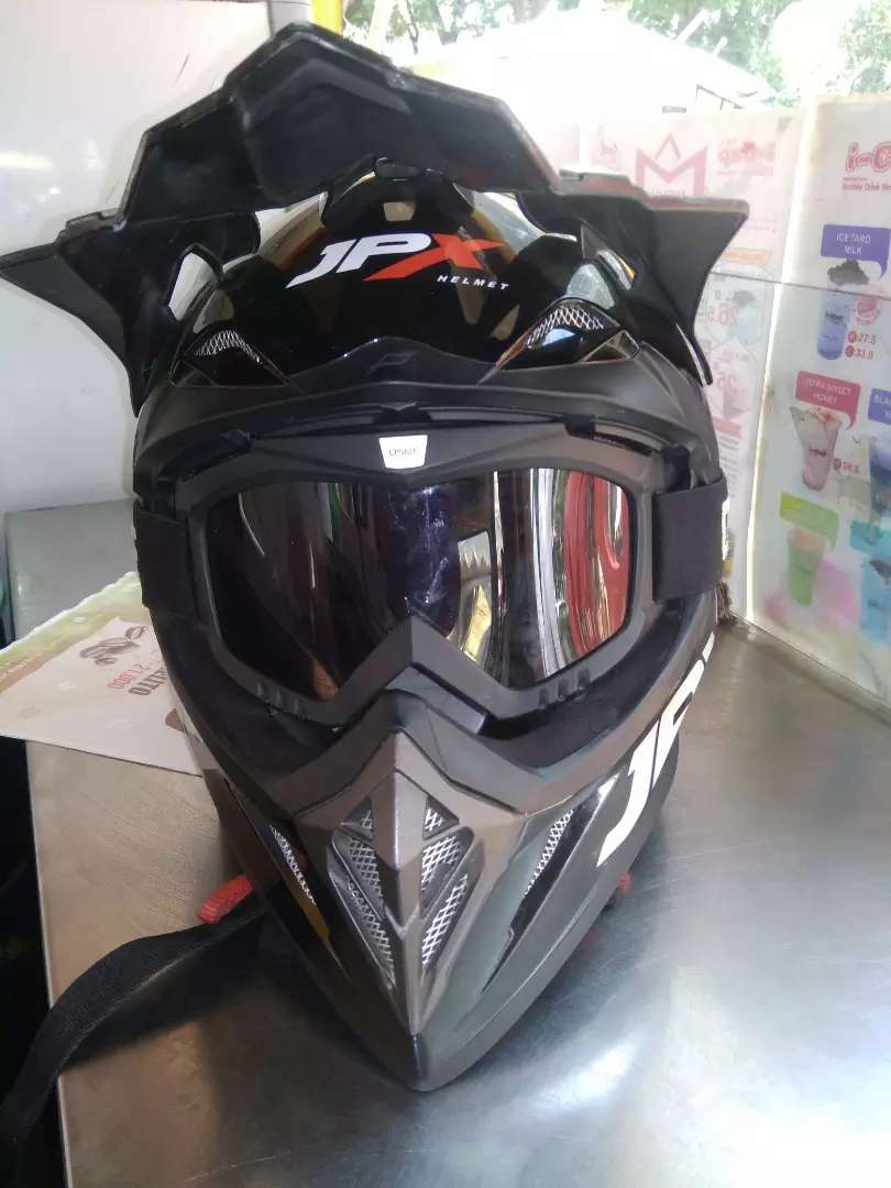 Helm jpx size L 0