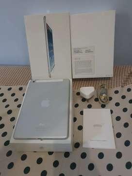 Apple iPad mini 1 Wifi Cellular 32Gb White / Silver Fullset Surabaya