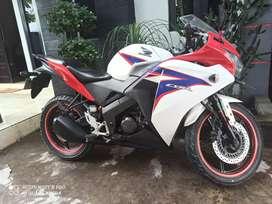 S IKHSAN MOTOR HONDA CBR 150 2013