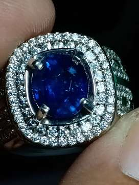 Royal blue sapphire Ceylon Srilanka