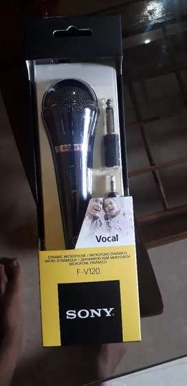 BRAND NEW SONY ORIGINAL WIRED MIC (PRICE NEGOTIABLE)