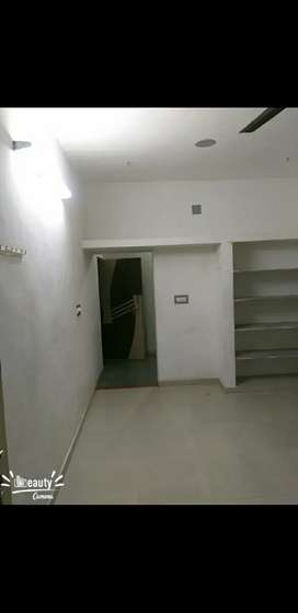 on rent 1room available sector 27