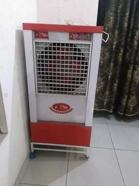 Brand New cooler in 6000/-