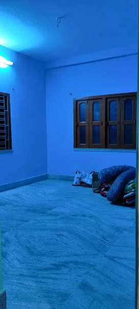 1bhk hause for rent at kestopur hanapara,family bechlors are allowed