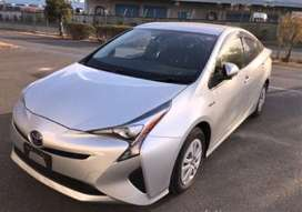 Toyota Prius 2017 model expected import clear till 28th Feb 2021