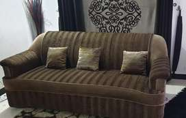 5 Seater 9/10 Condition Sofa Set for Sale