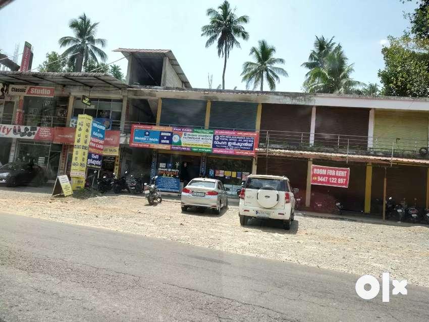 2+2 shutters... At Panackapalam Jn... Pala -Erattupetta Road side.. 0