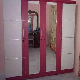 B111 Lemari pakaian empat pintu cantik