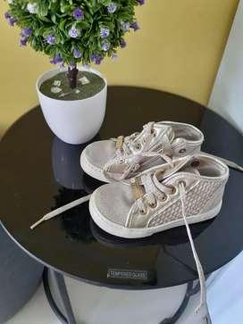 Sepatu fashion anak anak