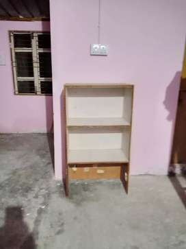 3 single bed rooms for accomodation for bachelor