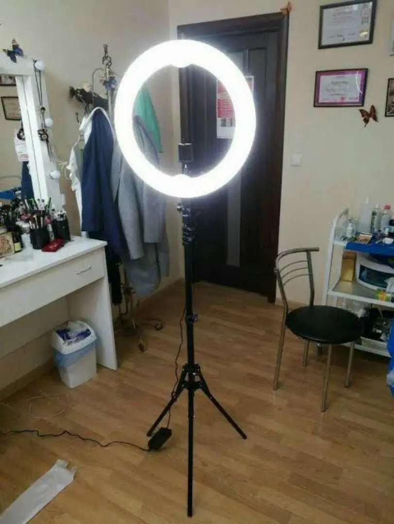 ring light stand with 32 inch ring mobile 3 colour light available
