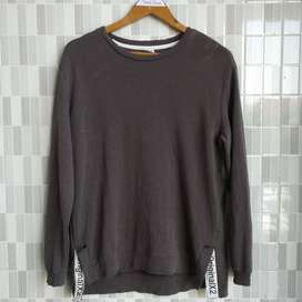 Crewneck S FIt Size L Second K tiga strip empat belas