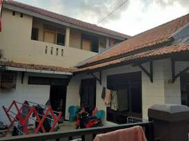 Dijual rumah+kos-kosan 2 lantai Jakarta Timur
