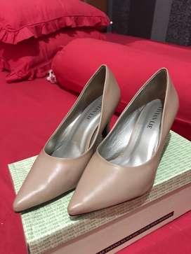 sepatu kantor bahan kulit